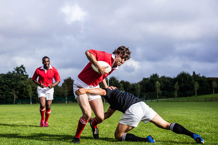 Rugby Player Disloates Shoulder